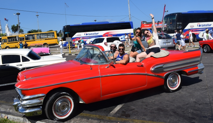 Tour Habana Vieja en descapotable