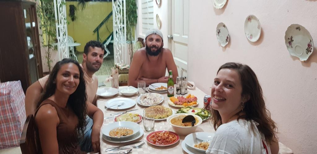 Súper cena en casa Katia - Tortilla de patatas española & frijoles blancos, especialidad de Katia