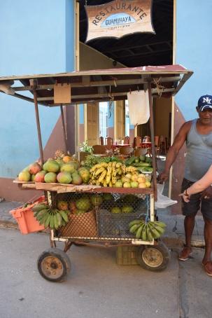 Fruta en las calles de Trinidad